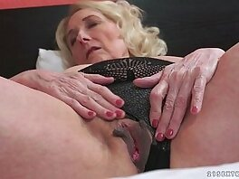 granny-horny-love-old and young