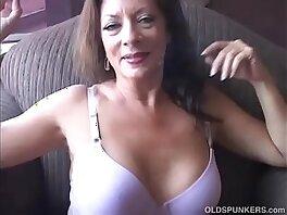 enjoying-sexy-smoking-wank